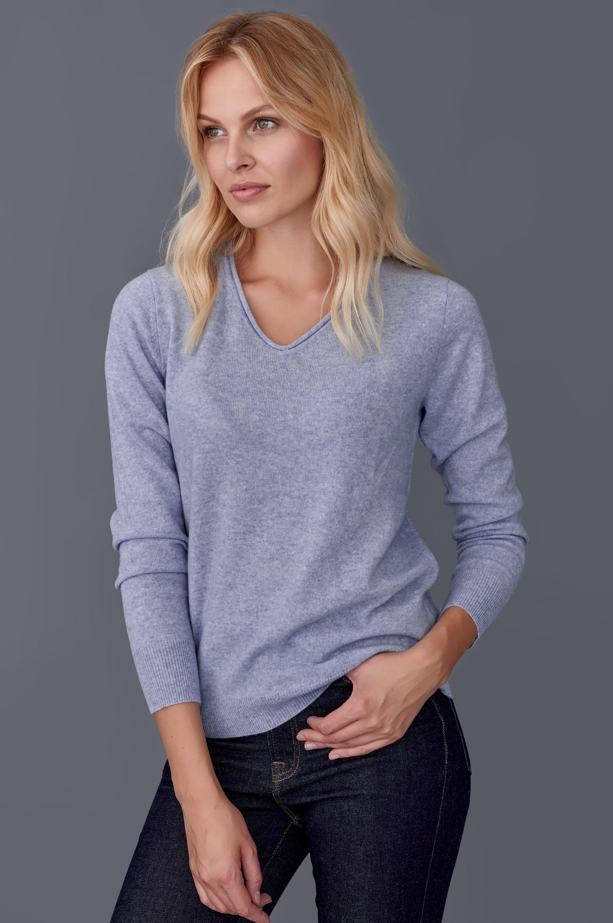 CASHMERE SWEATER WITH V-NECK LINE - SELECTED KASZMIR