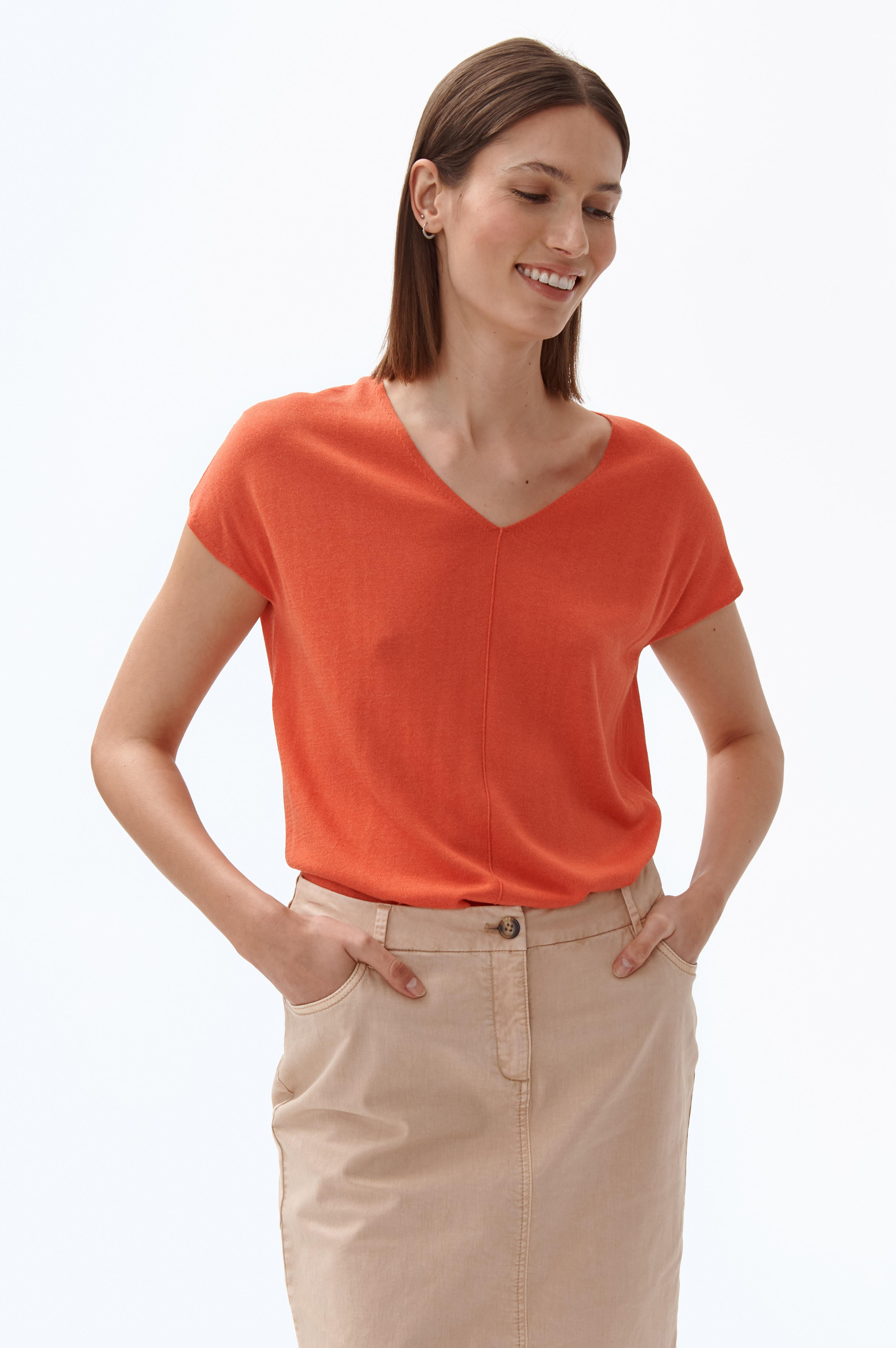 LADIES' LIGHT SLEEVE-LESS BLOUSE POMIRI
